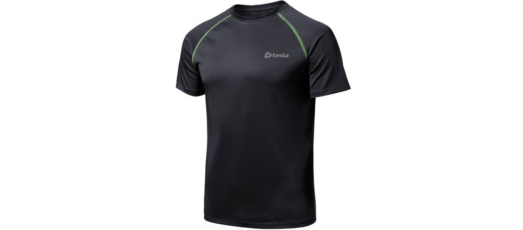 Lightweight synthetic sports clothing is ideal for indoor rowing.
